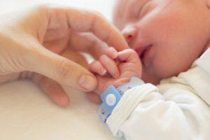 Factores asociados a la prevalencia de hipovitaminosis D en mujeres embarazadas y sus recién nacidos