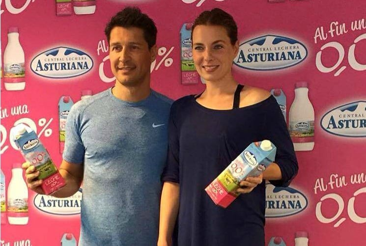 Alejandra Osborne y Jaime Cantizano, padrinos de la nueva leche 0'0% de Central Lechera Asturiana